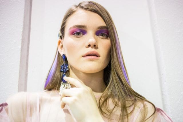 Команда визажистов школа макияжа Ирины Хомяковой, подготовка моделей для показа Украинской Недели Моды